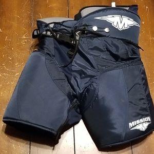 """MISSION M-2 Junior Hockey Pants Medium 24""""-26"""""""
